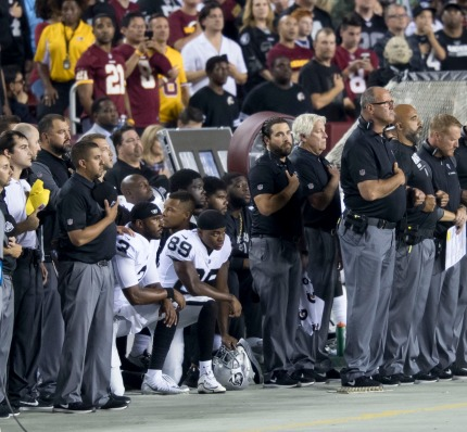 By Keith Allison from Hanover, MD, USA (Oakland Raiders National Anthem Kneeling) [CC BY-SA 2.0 (https://creativecommons.org/licenses/by-sa/2.0)], via Wikimedia Commons